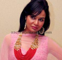 Jewellery Designs: Model in Fashion Beads Haram