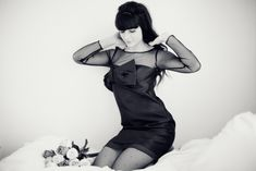 "Robe / Dress : Tara Jarmon    Collants plumetis / Polka dot tights : DIM    Eyeliner : Chanel ""Ecriture""    Faux cils / Eyelashes : Sephora"