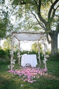 Rustic Wedding Chuppah, Huppah {Tobin Photography} - mazelmoments.com