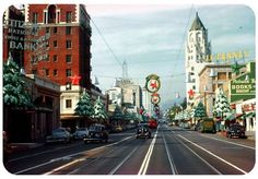Christmas on Hollywood Boulevard in Los Angeles c. Note the Red Car trolley in the background. Vintage California, California Dreamin', Hollywood California, California History, Vintage Hollywood, In Hollywood, Hollywood Actresses, Hollywood Boulevard, Christmas Past