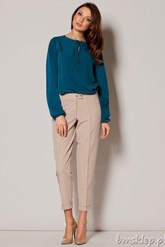 Eleganckie spodnie idealne na każdą okazję! - w kant - długość 7/8 - wywijane #nogawki - zapinane na #zamek i dwa #guziki - imitacja kieszeni Skład: 65% #poliester, 35% #wiskoza.... #Spodnie - http://bmsklep.pl/spodnie