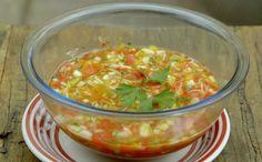 Vinagrete de alho poró - Fácil de fazer, acompanhamento leva pimentões, maçã e tomate cereja