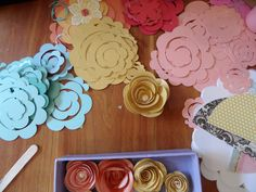 making rolled roses with the cricut.