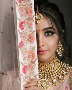 Indian Bride Poses, Indian Bridal Photos, Indian Wedding Bride, Indian Wedding Photography Poses, Photography Couples, Punjabi Wedding, Photography Ideas, Bridal Makeup Looks, Indian Bridal Makeup
