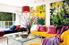 Floral brights trend Boost your energy and mood by layering bold and bright hues. Choose shades on opposite ends of the colour spectrum for a more dramatic approach — or keep it more harmonious with gradient shades found beside each other on the colour wheel, like yellow, orange and red.