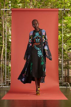 http://www.vogue.com/fashion-shows/resort-2017/cynthia-rowley/slideshow/collection