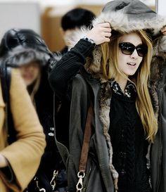 SNSD Hyoyeon Kim Hyoyeon, Sooyoung, Yoona, South Korean Girls, Korean Girl Groups, Snsd Fashion, Winter Hats, Winter Jackets, Girls Generation