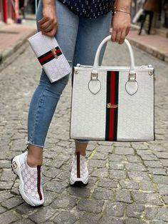 Gucci Fashion, Fashion Handbags, Fashion Bags, Womens Fashion, Louis Vuitton Shoes Sneakers, Gucci Shoes, Versace Shoes, Gucci Gucci, Gucci Handbags Outlet