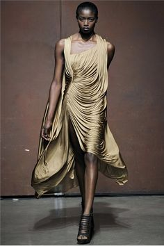 One Look: Awa Ceesay for Yiqing Yin SS/2012 Haute Couture.