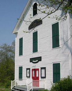 Actors Theatre Playhouse is one of the oldest continuously performing arts group in New England, based in a beautiful old town meeting house.
