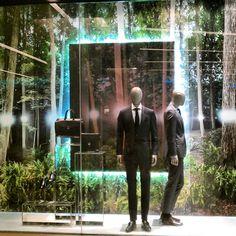 "(A través de CASA REINAL) >>>>  HUGO BOSS, Siam Paragon Shopping Mall, Bangkok, Thailand, ""The Light Through The Trees"", pinned by Ton van der Veer"
