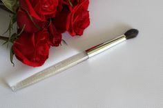 TRISH MCEVOY Brush #29 Tapered Blending  #TrishMcEvoy $28.80 available @ stores.ebay.com/kleeneique #kleeneique