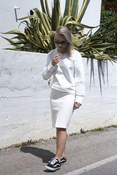 All White |Tao of Sophia