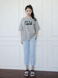 Dress Up Confidence! 66girls.us PEACE Graphic Print T-Shirt (DHPG) #66girls #kstyle #kfashion #koreanfashion #girlsfashion #teenagegirls #younggirlsfashion #fashionablegirls #dailyoutfit #trendylook #globalshopping