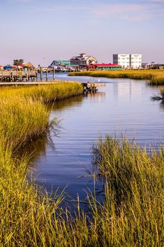 Planning a North Carolina vacation? Consider Southport in the Brunswick Islands. Check out this 4 day itinerary of things to do, eat, drink and where to stay. #NorthCarolina #travel #BrunswickIslands