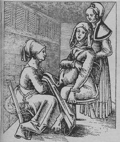 """¿Comadronas o Brujas?  Las comadronas fueron en la época medieval figuras que tanto generaban veneración como odio por su cercanía en los momentos del parto tanto de la vida como de la muerte. Cuando un parto se preveía complicado, la comadrona encargaba una misa especialmente larga en la que la susodicha rezaba con los brazos en cruz en señal de """"penitencia"""" e indirectamente como forma de hacer pública su fortaleza física ante los momentos difíciles que se pudieran presentar durante los…"""