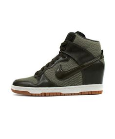 Nike  Women s Dunk Ski Hi Essential (Cargo Khaki Sail-Gum Medium Brown 1c13b6b8c34