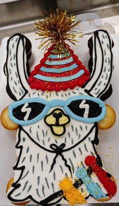 Ideas Birthday Cupcakes Design Pull Apart For 2019 New Birthday Cake, Mom Birthday Gift, Birthday Cupcakes, Unicorn Cupcakes, Husband Birthday, Unicorn Party, Birthday Bash, Birthday Ideas, Birthday Parties