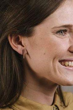 Nachhaltiger Schmuck aus Holz | KERBHOLZ– Kerbholz Pearl Earrings, Pearls, Jewelry, Modern, Design, Products, Shopping, Accessories, Filigree Earrings