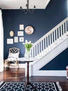 Bold and dramatic or stately and traditional, it& all achievable with these navy blue walls. Blue Rooms, Room Colors, Blue Living Room, Blue Accent Walls, Blue Walls, Home, Navy Walls, Living Room Paint, Room Paint