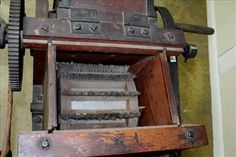 Very rare 10 saw cotton gin made in Bridgewater MA - Jan 2017 Cotton Gin, Ms, Auction, Flooring, Antiques, How To Make, Decor, Antiquities, Antique