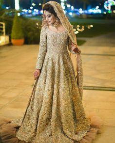 Indian Bridal Outfits, Pakistani Wedding Outfits, Pakistani Dress Design, Pakistani Wedding Dresses, Wedding Lehanga, Desi Wedding, Pakistani Gowns, Pakistani Fashion Party Wear, Pakistani Formal Dresses