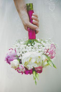 Fucsia per un matrimonio dal sapore shabby chic: Elena e Roberto