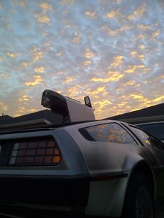 Delorean Back To The Future, Future Car, Dmc 12, Bttf, Dream Machine, Motor Company, Car In The World, Hot Cars, Motor Car