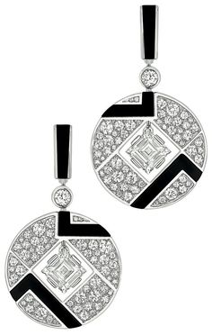 Bubbles Earrings from Chanel - in 18K white gold set with 2 Square Cut diamond (2.4 cts), 116 Brilliant Cut Diamonds (1.9 cts) and carved onyx - July 2014