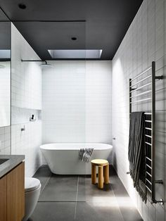 The Prahran House by Rob Kennon Architects transforms an original Edwardian boarding house into a contemporary family home that explores […] Modern Bathroom Design, Bathroom Interior Design, Home Interior, Washroom Design, Interior Colors, Interior Livingroom, Interior Plants, Zen Bathroom, Small Bathroom