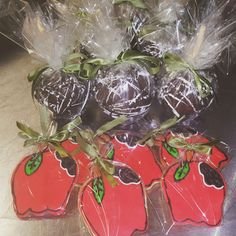 Fall apple cookies and chocolate apples #carinaedolce www.facebook.com/carinaedolce www.Carinaedolce.com
