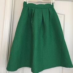 Skirt Green skirt waist fits small Doesn't say Skirts