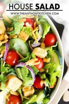 Easily make your favorite restaurant's House Salad at home! Quick and easy answers for what goes in a House Salad and dressings you can serve with it. Lettuce Salad Recipes, Best Salad Recipes, Salad Recipes For Dinner, Salad Dressing Recipes, Easy Healthy Recipes, Easy Meals, Easy Salads, Healthy Salads, Bbq Chicken Salad