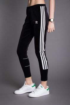 Adidas Originals, The Originals, 90s Style, Tumblr Outfits, 90s Fashion, Adidas Jacket, Fall Outfits, Tights, Sweatpants