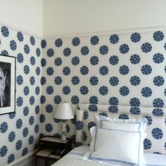 Room of the Day: love fresh originality and simplicity of this room - too much fun ~ NY guest room by Robert Couturier 6.04.2013