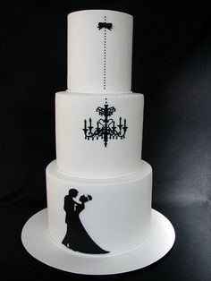 Tarta de #boda sencilla e impactante en blanco y negro / Black and white #wedding cake