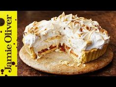This recipe from Jamie Oliver's Christmas Cookbook is quite simply the best thing you will ever taste! Jamie's twist on the classics - Banoffee Pie and Baked. Baked Alaska, Jamie Oliver, Pavlova, Banoffee Pie, Sweet Recipes, Cake Recipes, Dessert Recipes, Food Cakes, Christmas Desserts