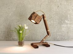 Kran I - Holzlampe von Paladim handmade auf DaWanda.com