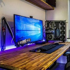 Found this setup on account. I'm a big fan of his setup. His pc looks so good. I also really like his monitor and mic. That desk is really unique as well. Great minimalistic setup here. Computer Desk Setup, Gaming Room Setup, Pc Setup, Office Setup, Office Style, Pc Table, Pc Gaming Table, Game Room Design, Gamer Room