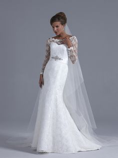Congratulations to Sassi Holford who won the Award for Best Bridal Designer 2013 at the Wedding Ideas Awards.