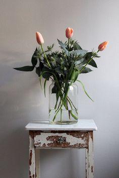 bouquet with lots of greenery - Tulpen Dekoration Flowers In Jars, Beautiful Flowers, Vase Transparent, Deco Floral, Plant Decor, Decoration, Indoor Plants, Flower Power, Planting Flowers