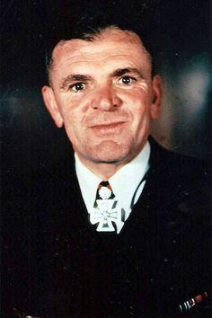 Korvettenkapitän d.R. Fritz Breithaupt (1892-1944), Chief der 24. Minensuchflottille, Ritterkreuz 03.08.1941, Eichenlaub (387) 10.02.1944