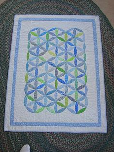 Perpetual Motion - looks like coat of many colors Cute Quilts, Boy Quilts, Star Quilts, Quilt Blocks, Perpetual Motion, Green Quilt, Quilt Border, Traditional Quilts, Scrappy Quilts