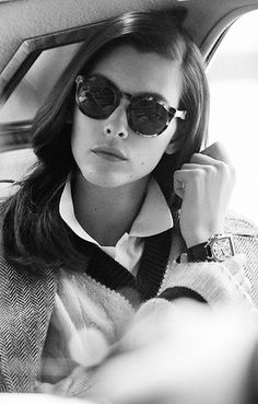 Model wears sunglasses with slightly rounded shape and keyhole bridge Ralph Lauren Style, Ralph Lauren Collection, Boho Fashion, Preppy Fashion, Ladies Fashion, Womens Fashion, Prep Style, My Style, Preppy Look