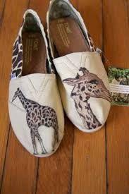 Giraffe Toms