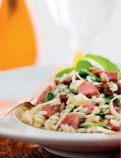 Risoto de linguiça calabresa seara com tomate seco, rúcula e queijo grana padano
