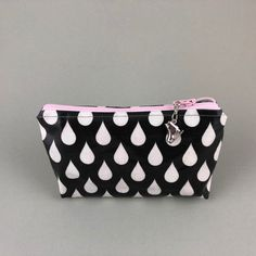 Necessaire Tropfen black and white mit Schlittschuhanhänger Coin Purse, Wallet, Black And White, Bags, Gifts, Men, Oilcloth, Handbags, Black N White