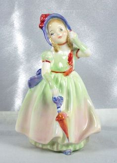 """LOVELY ROYAL DOULTON FIGURINE """"BABIE"""" HN1679 SIGNED  EXCELLENT CONDITION"""