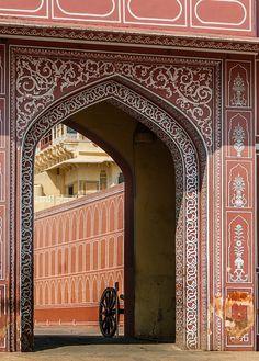 India of - - India Architecture, Architecture Details, Beautiful Buildings, Beautiful Places, City Palace Jaipur, Portal, Indiana, Taj Mahal, Jaipur India