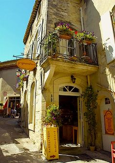 Confectionery shop in Grignan